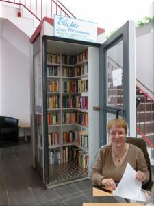 Luise in der Telefonzelle